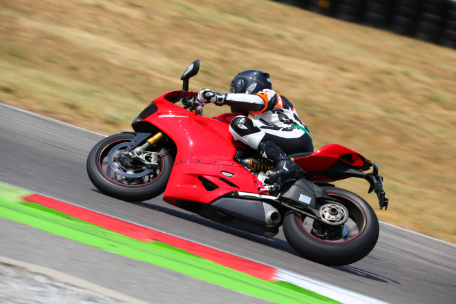 Ducati_1299_Panigale_S_Pss_2015_motore