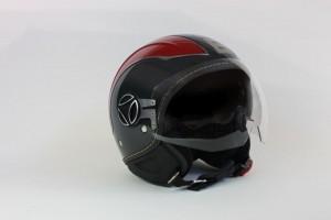 Momodesign: arriva il nuovo casco in partnership con KSS