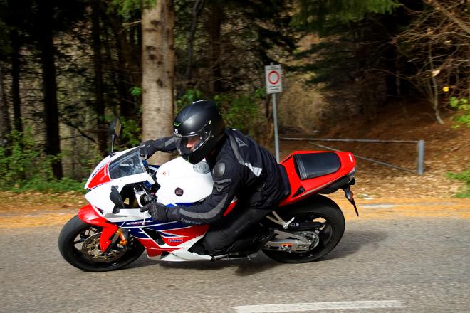 Honda Cbr600rr Poca Elettronica E Tanta Sostanza Prova Su Strada