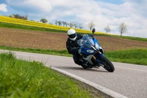 Metzeler Roadtec 01: il nuovo pneumatico che non teme il meteo [VIDEO]