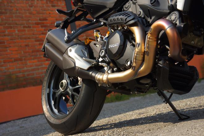 Ducati_Monster_R_Pss_2016_motore2
