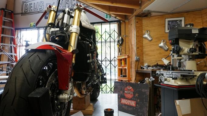 AGO TT, Deus Ex Machina USA celebra Giacomo Agostini