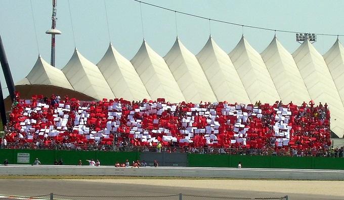 Tribuna Ducati, tutta la passione Rossa al GP di San Marino