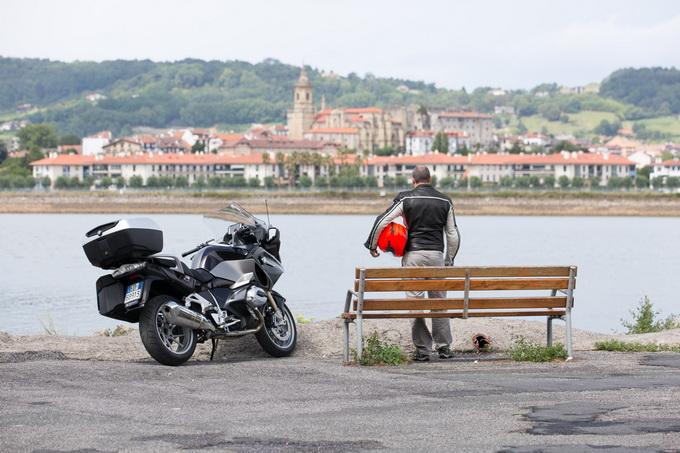 BMW R 1200 RT, il fascino della sportiva in una moto tutta da guidare [PROVA SU STRADA]