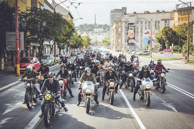 Triumph Motorcycles, per il terzo anno sponsor di Distinguished Gentleman's Ride