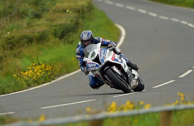 METZELER firma quattro successi all'Ulster Grand Prix 2016