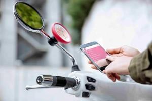 TomTom VIO è il primo navigatore per scooter connesso allo smartphone