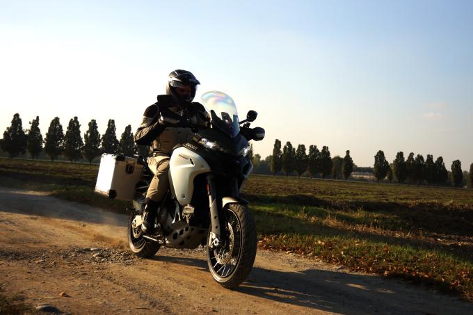 Ducati Multistrada 1200 Enduro, zero esperienza nell'off road e subito al top! [PROVA SU STRADA]
