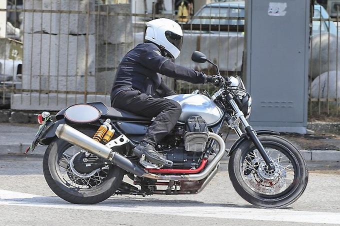 Moto Guzzi V7 III and V9 Racer 3