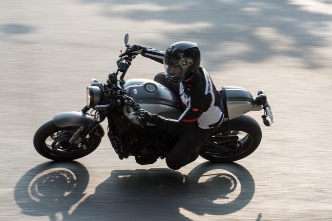 Yamaha XSR900 ABS, alla moda e con 115 aggressivi cavalli [PROVA SU STRADA]