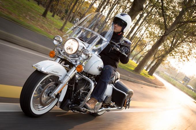 Harley-Davidson Road King Classic, una rivoluzione sapientemente celata [PROVA SU STRADA]