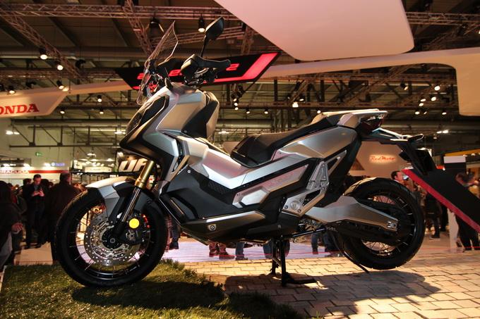 Honda X-ADV, il SUV a 2 ruote