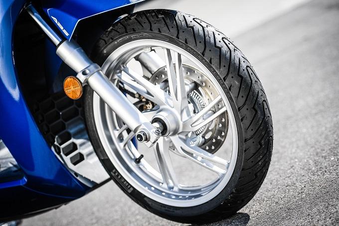 Pirelli ANGEL SCOOTER e DIABLO ROSSO SCOOTER, i nuovi pneumatici li vedremo ad EICMA 2016