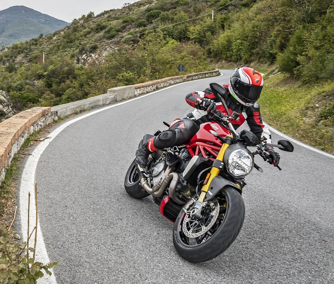 ducati monster 1200 test 1