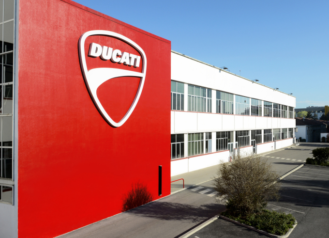 Il diavolo della Ducati si veste Diesel