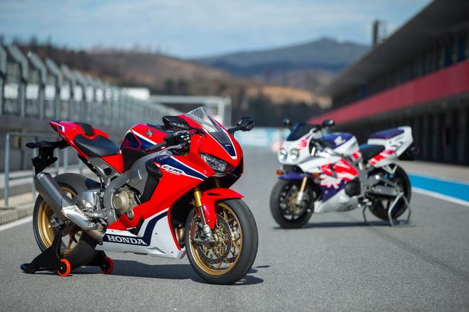 Honda_CBR1000RR_SP_YM17_01