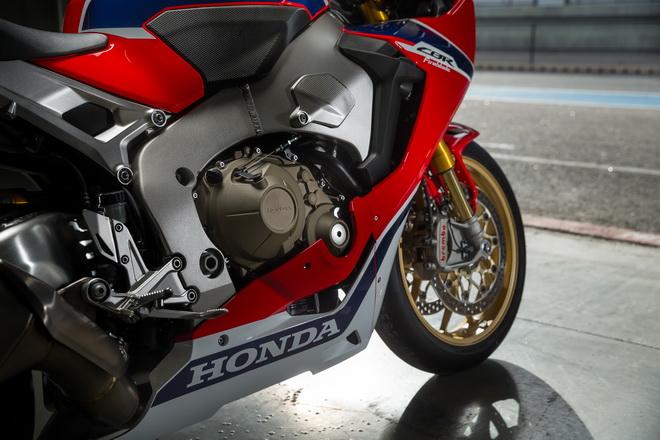 Honda_CBR1000RR_SP_YM17_09