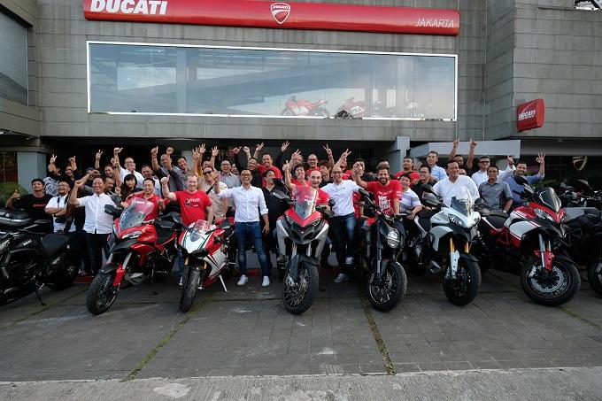 Claudio Domenicali in visita allo showroom Ducati di Jakarta