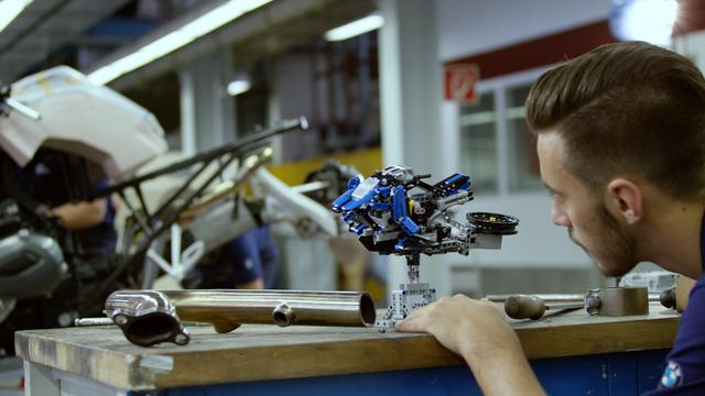BMW MOTORRAD e LEGO TECHNIC presentano la Hover Ride Design Concept [VIDEO]