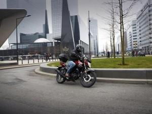 YAMAHA YS125, arriva sul mercato la prima moto della gamma Urban Mobility del marchio giapponese