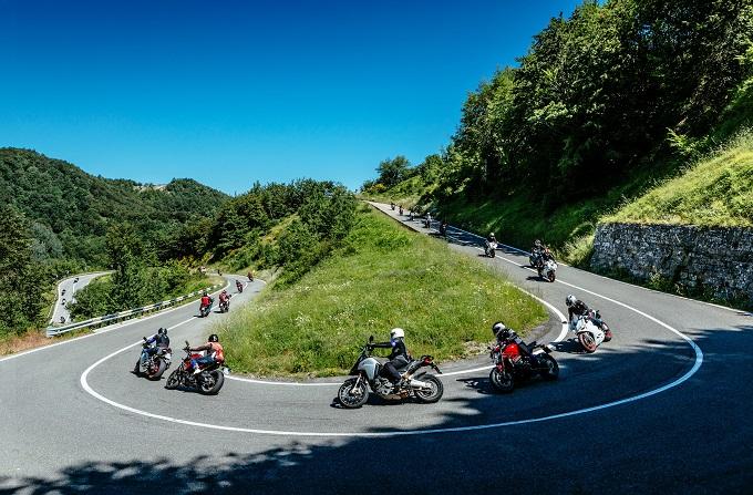 """Ducati Dream Tour 2017, alla scoperta della """"terra dei motori"""" in sella alle moto più belle del mondo"""