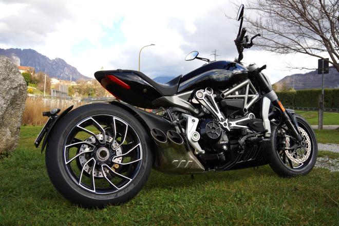 Ducati_X-Diavel_S_pss_2017_12