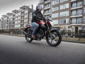Yamaha comunica i nuovi listini prezzi Moto e Scooter m.y. 2017