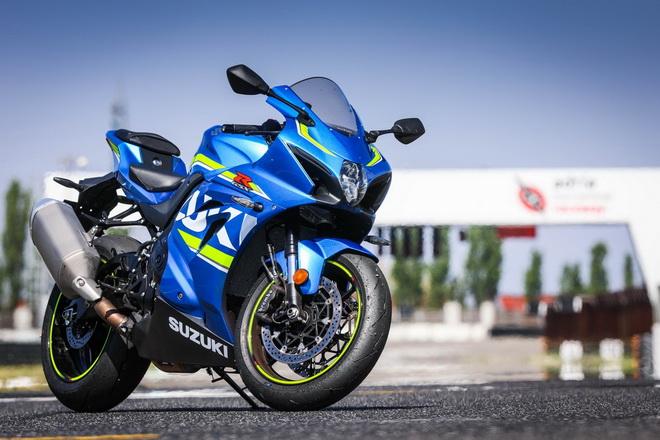 Suzuki_GSX-R1000_pss_2017_16