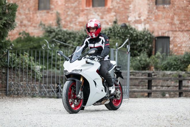 Ducati_Supersport_pss_2017_15