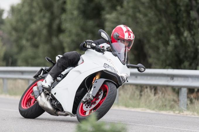 Ducati 939 Supersport S, bella e possibile [VIDEO PROVA SU STRADA]