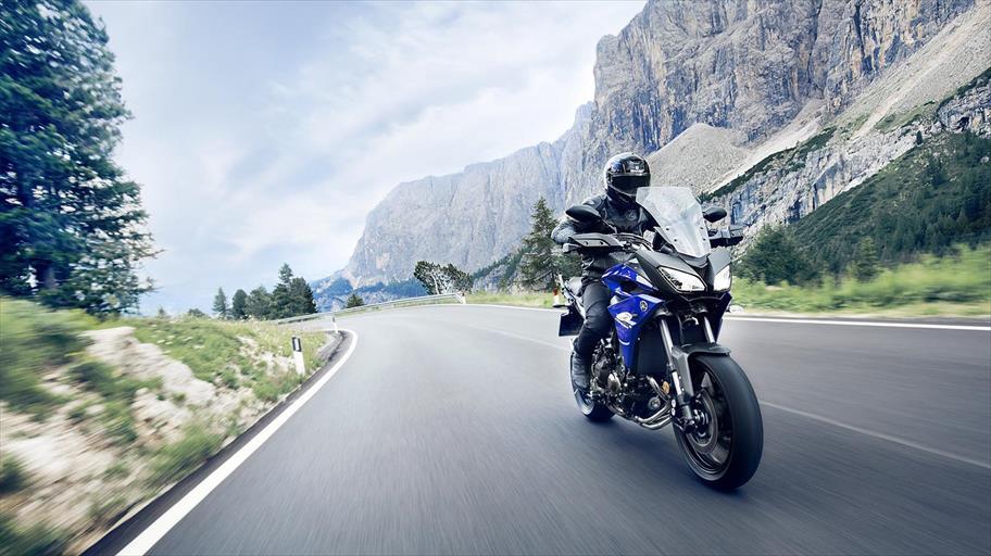 """Yamaha """"Test The Emotion"""": Ultima tappa del test ride itinerante al Motoraduno dello Stelvio"""