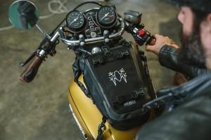 Amphibious Multybag: La borsa da moto che si trasforma in borsello