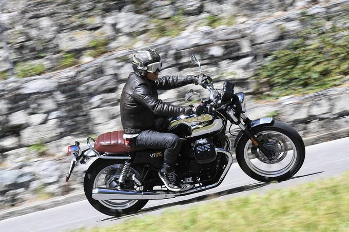 Moto Guzzi V7 III, il mito si rinnova [PRIMO CONTATTO]