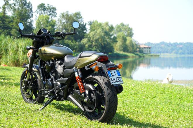 Harley-Davidson_Street_Rod_750_pss_2017_02
