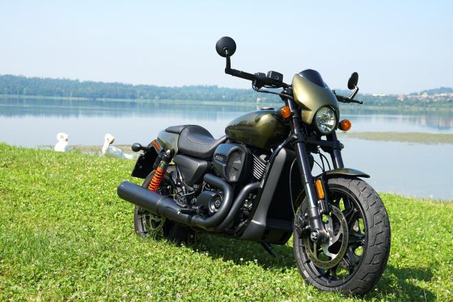 Harley-Davidson_Street_Rod_750_pss_2017_12