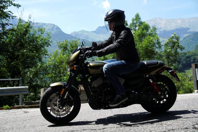 Harley-Davidson_Street_Rod_750_pss_2017_18