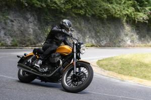 Moto Guzzi V9 Roamer e V9 Bobber, una più turistica e l'altra più sportiva [PRIMO CONTATTO]