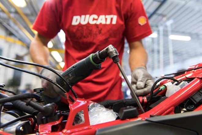 Ducati09-17D