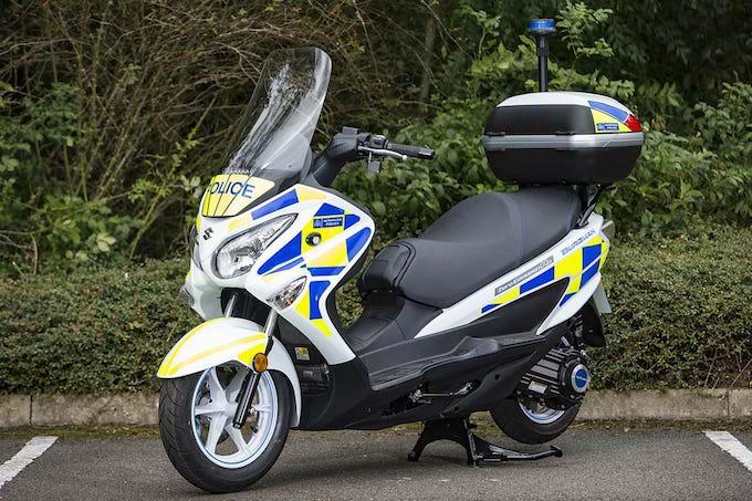 Suzuki Burgman Fuel Cell: sicurezza a emissioni 0 per la polizia inglese