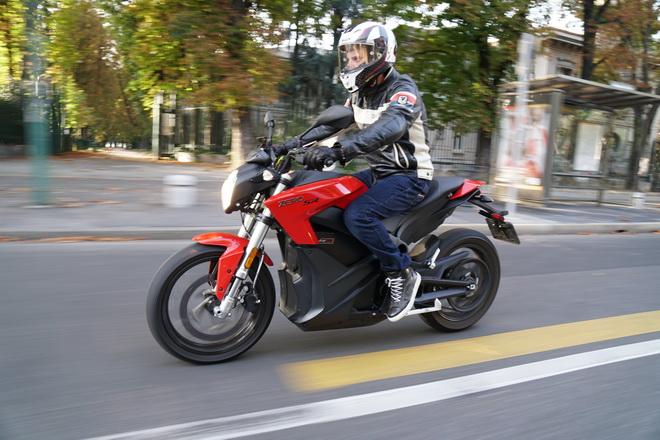 Zero_Motorcycles_SR_pss_2017_17