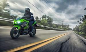 Kawasaki-Ninja-400-2018_04