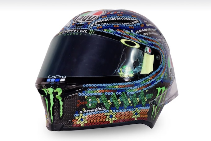 AGV: il nuovo casco di Valentino Rossi richiama la tradizione messicana [VIDEO]
