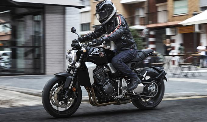 Honda CB1000R 2018: ridefinito il concetto della naked sportiva [FOTO]