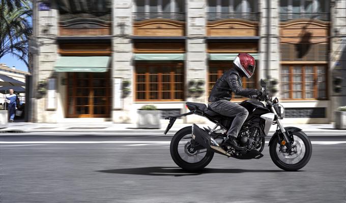 """Honda CB300R: la nuova visione intermedia della """"Neo Sports Café"""" [FOTO]"""