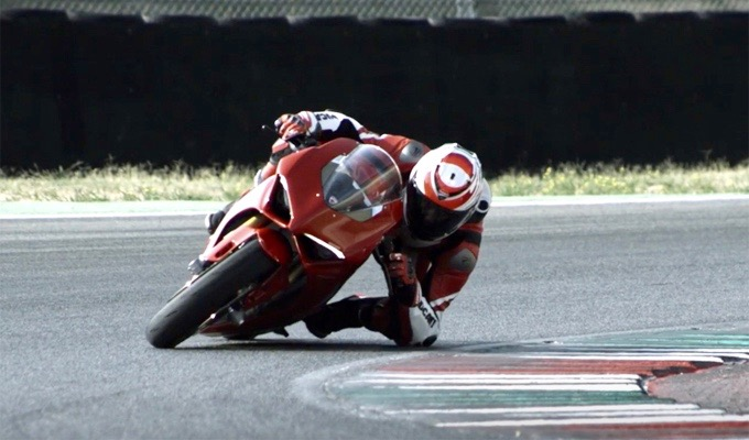 Ducati Panigale V4: il suono pulsante della competizione [VIDEO]