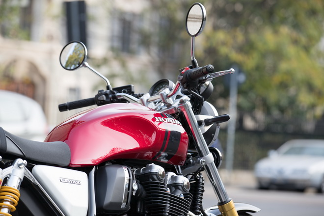 Honda Cb 1100 Rs Lo Stivale Racing Sotto Ai Jeans Prova Su Strada