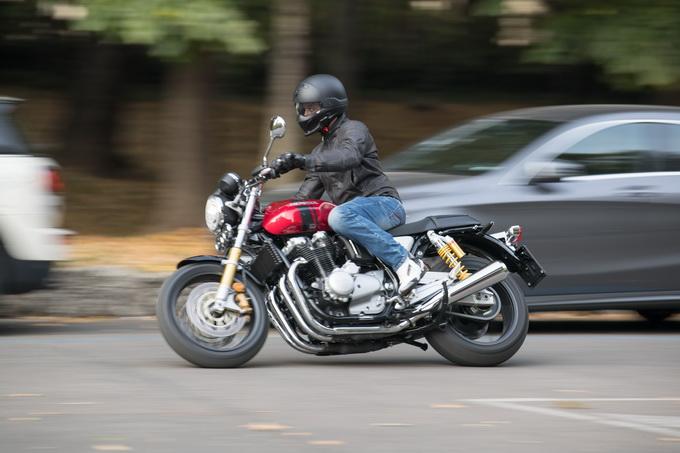 Honda CB 1100 RS: Lo stivale racing sotto ai jeans [PROVA SU STRADA]