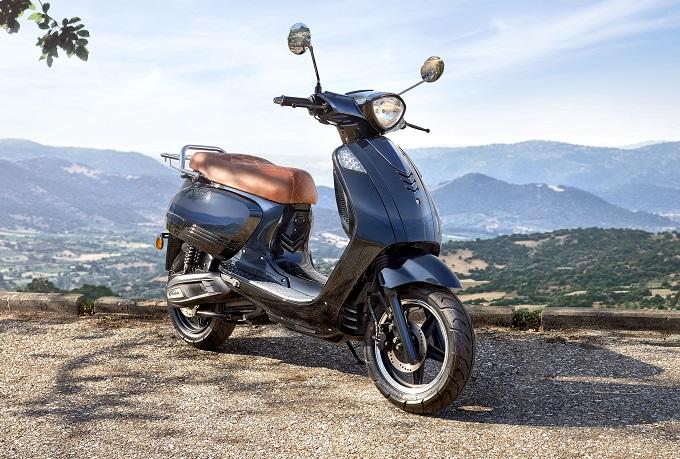 EICMA 2017: KSR Moto presenta Vionis, lo scooter elettrico a meno di 2.000 euro [FOTO]