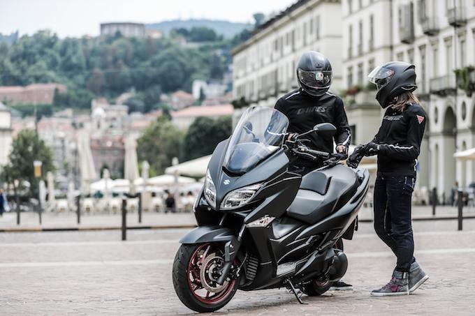 Suzuki: tanti vantaggi per chi sceglie Burgman 400 a novembre