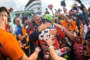 KTM celebra il talento di Tony Cairoli [VIDEO]